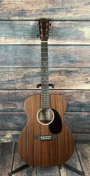C.F. Martin Guitars Acoustic Guitar Martin 000-10E Road Series Small Body Acoustic Electric Guitar