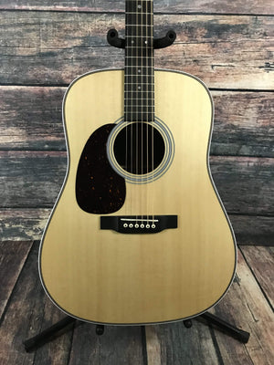 C.F. Martin Guitars Acoustic Guitar Martin Left Handed HD-28 Acoustic Guitar