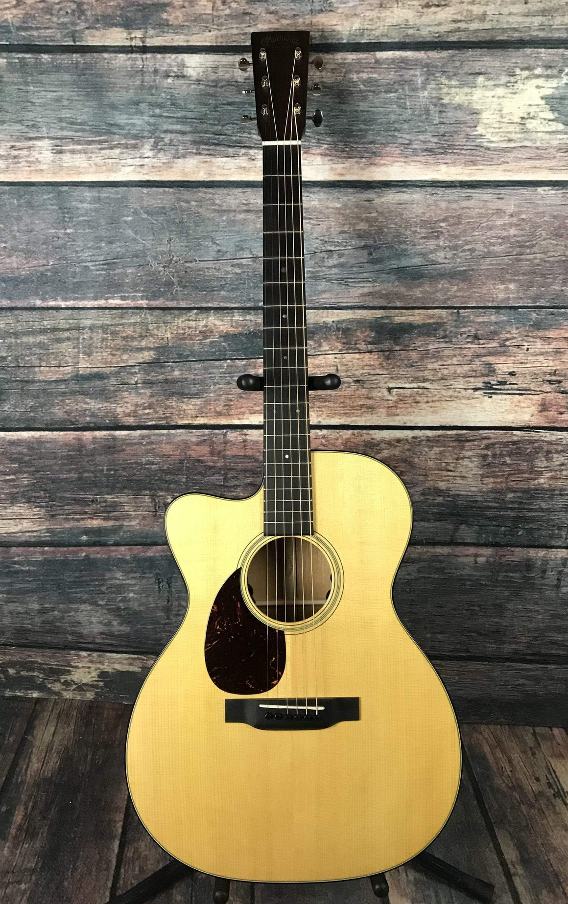 C.F. Martin Guitars Acoustic Guitar Martin Left Handed OMC-18E Acoustic Electric Guitar