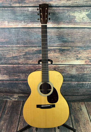 C.F. Martin Guitars Acoustic Guitar Martin OM-21 Standard Series Acoustic Guitar