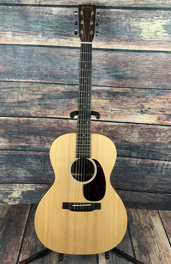used martin 00x1ae x series acoustic electric guitar with gig bag. Black Bedroom Furniture Sets. Home Design Ideas