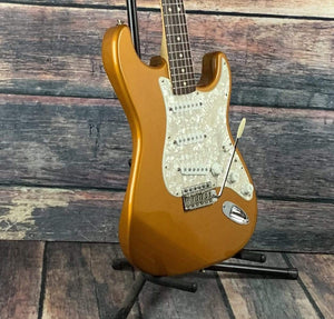 Fender Electric Guitar Used Fender 2005 Deluxe Powerhouse Stratocaster Electric Guitar with Case- Caramel Metallic