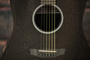 RainSong Acoustic Electric Guitar Includes a hard shell case Rainsong Left Handed H-DR1000N2 Acoustic Electric Guitar
