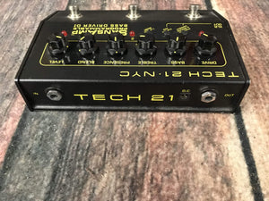 Tech 21 pedal Used Tech 21 SansAmp Programmable Bass DI Pedal