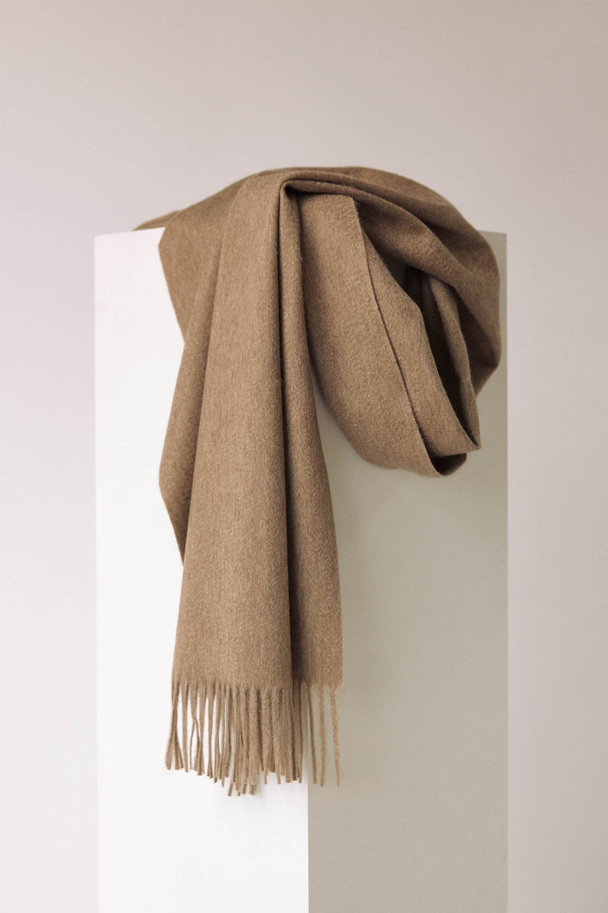 The Zibeline Cashmere Scarf - Light Brown