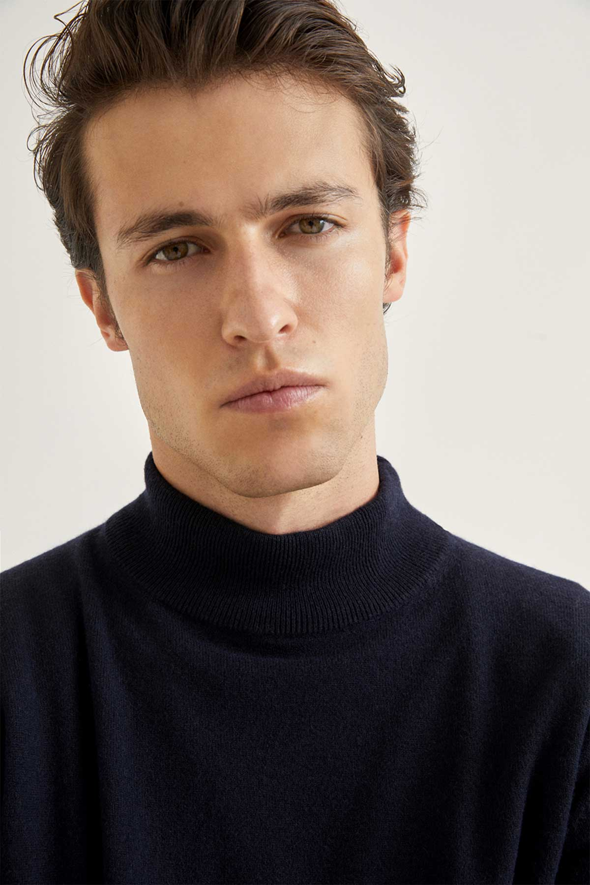 The High-Neck Cashmere - Blue Navy