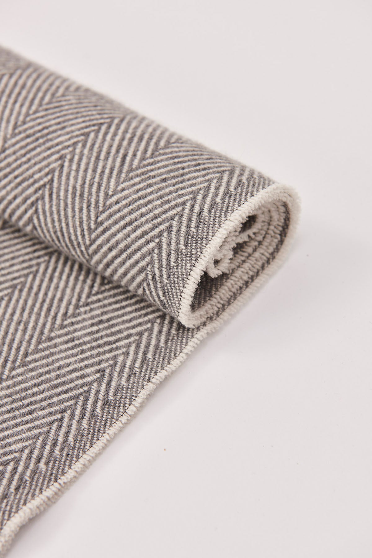 The Cashmere Twill Scarf - Grey and Cream