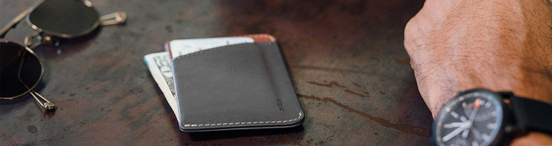 aa645a0d2f57 For the minimalist looking to carry just the essential cards and cash,  minimalist wallets offer an elegant everyday carry alternative to more  traditionally ...