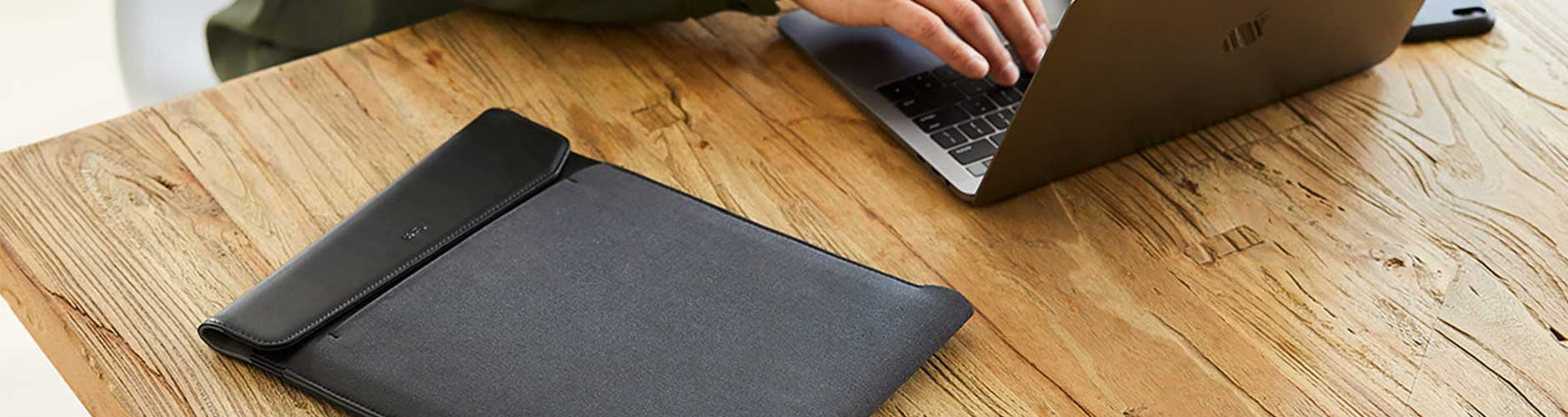 Laptop & Tablet Sleeves | Shop Laptop & Tablet Sleeves Online - Benny's Boardroom