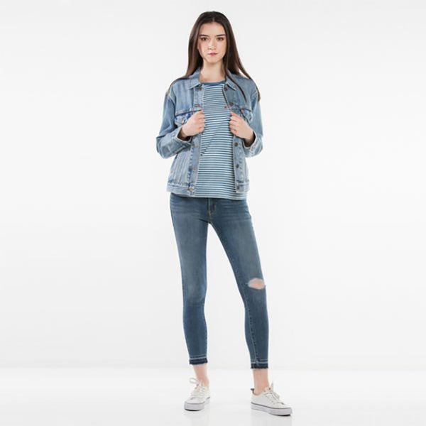 Shop Levi's Women's Ex-Boyfriend Trucker Jacket - Indigo Anthem | Benny's Boardroom