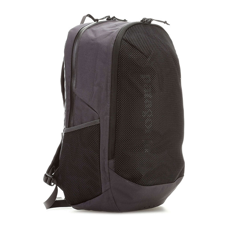 Shop Online Patagonia Planing Divider 30L Wet/Dry Surf Backpack - Ink Black | Benny's Boardroom