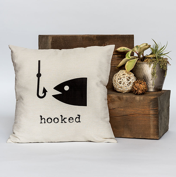 "Hooked 18"" x 18"" Throw Pillow"