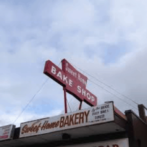 sweet-home-bakery-neon-sign