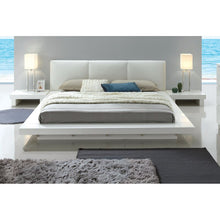 Load image into Gallery viewer, Alayah Upholstered Platform Bed
