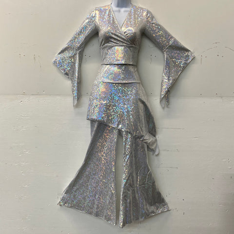Silver White Holographic Flow Outfit