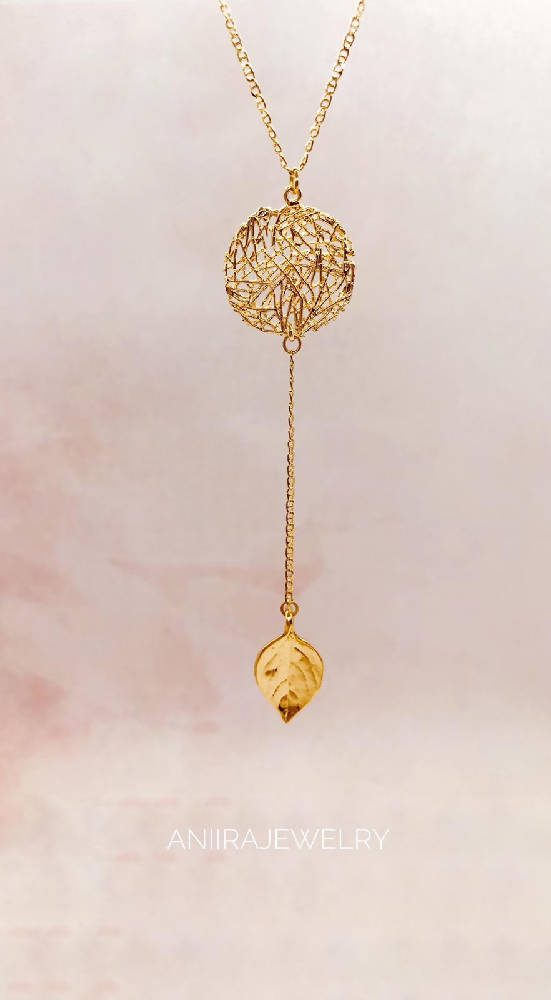 NEST AND LEAF NECKLACE
