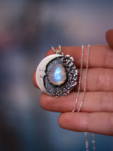 Load image into Gallery viewer, Flowers Dreamy Moon & Moonstone Necklace