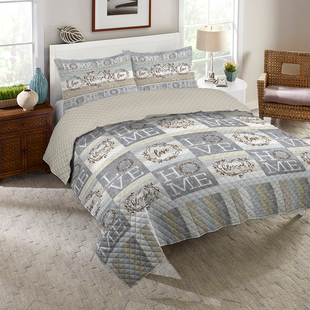 Loving Home Quilt Set