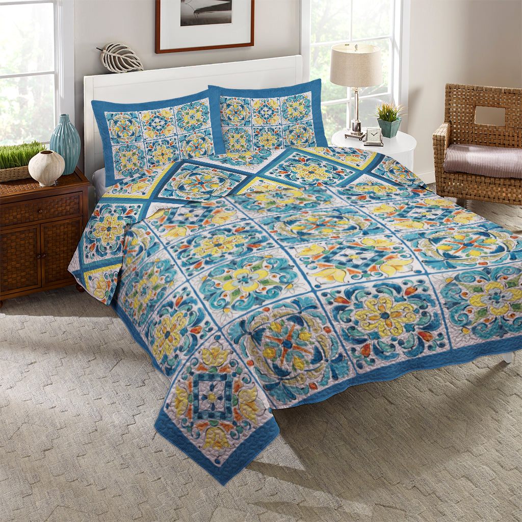 Mediterranean Breeze Reversible Quilt Set