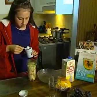 Georgie making the Skin Friend smoothie on 7 News