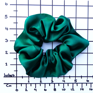 green silk scrunchie pony tail tie for yoga and gymnastics