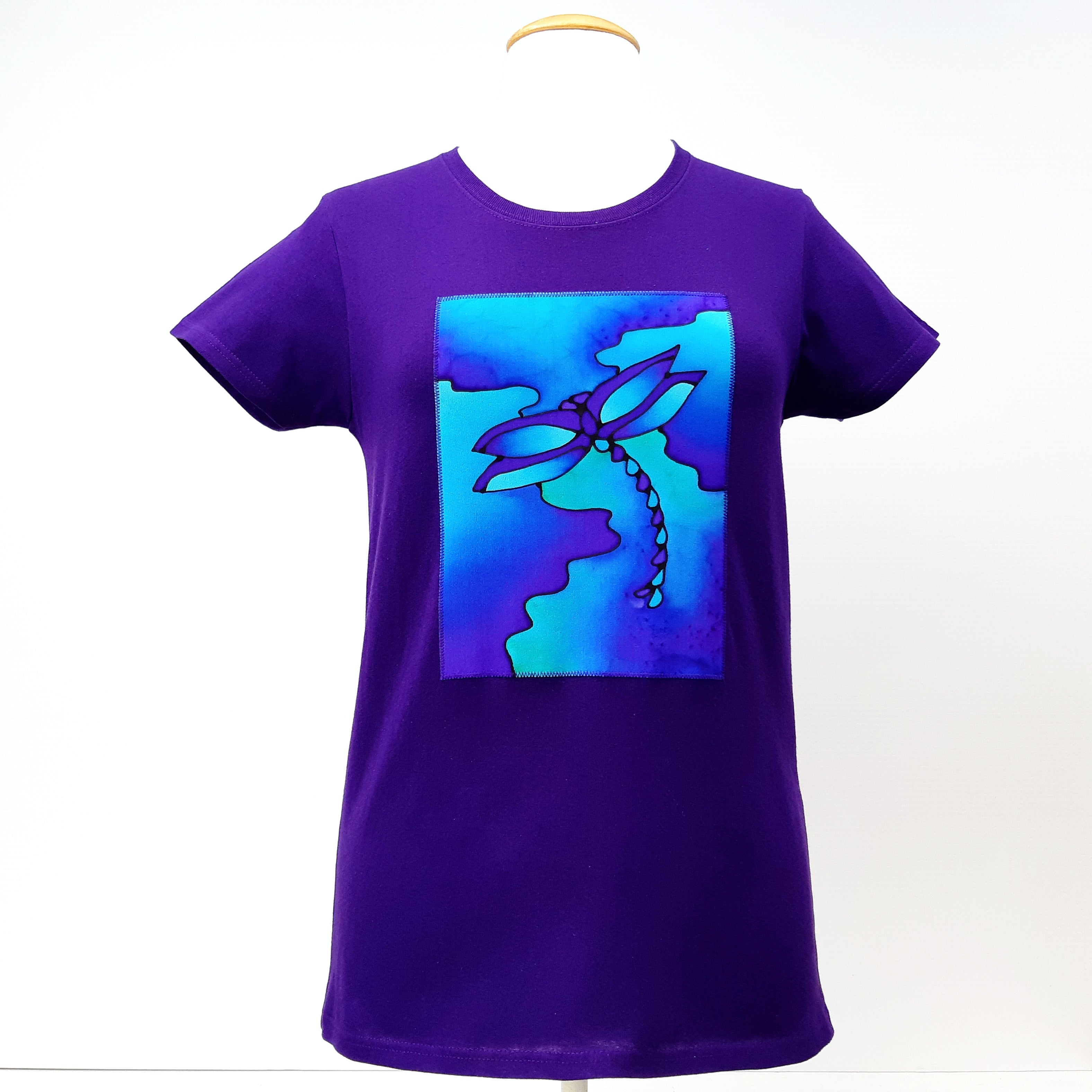 Purple t-shirt Dragonfly design