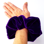 Load image into Gallery viewer, jumbo velvet scrunchies for ladies