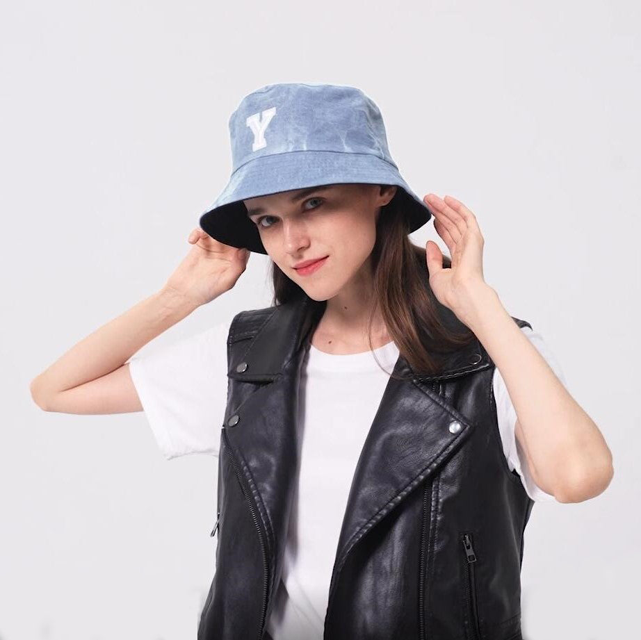 HIMODA denim bucket hat with embroidered initial - reversible