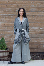 Load image into Gallery viewer, JUSTIFY JACKET BROCADE- GREY