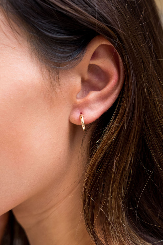 Sivan Mini Gold Hoop Earrings - KOOKII B