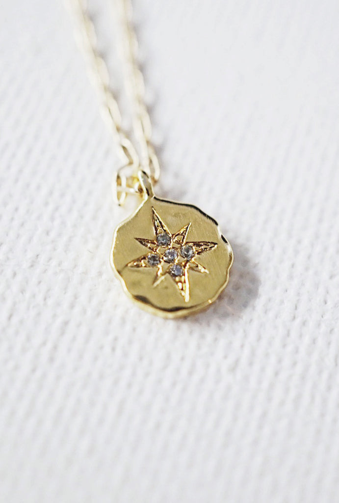 Lyra Star Round Pendant Gold Choker Necklace - KOOKII B