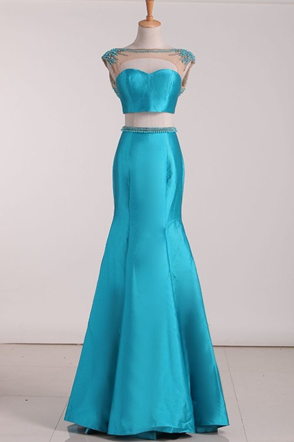 2020 Two Pieces Prom Dresses Satin With Beading P29XBRGF