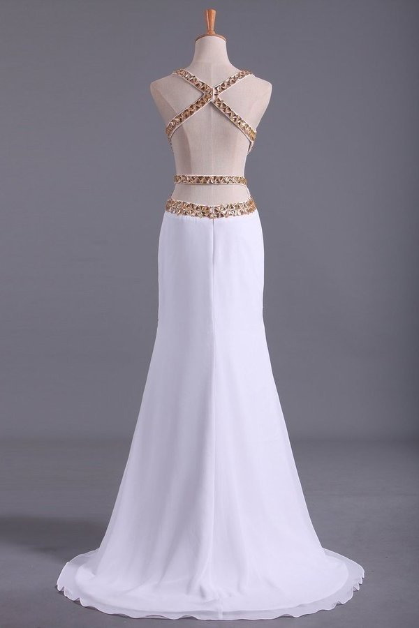 2020 Straps Prom Dresses Open Back Sheath/Column With Golden P9M9J38K