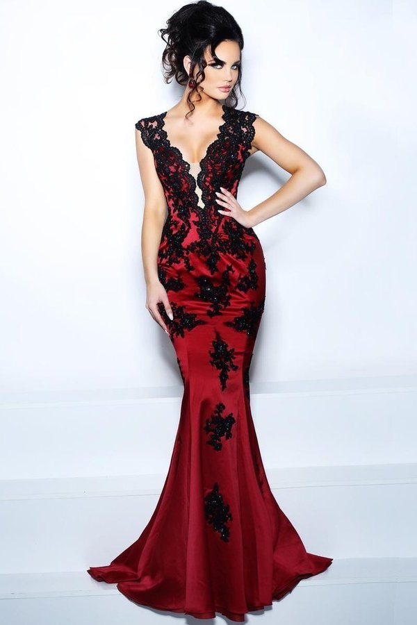 2020 V Neck Mermaid Prom Dresses Satin With Applique PQS58D98