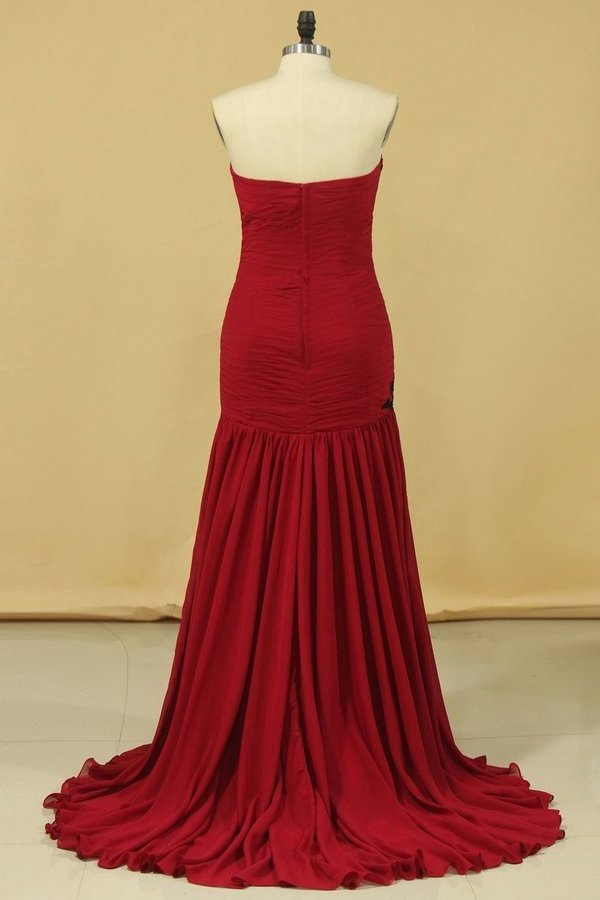 Burgundy/Maroon Sweetheart Mermaid Chiffon Evening Dresses With Ruffles And PHBBH8RY