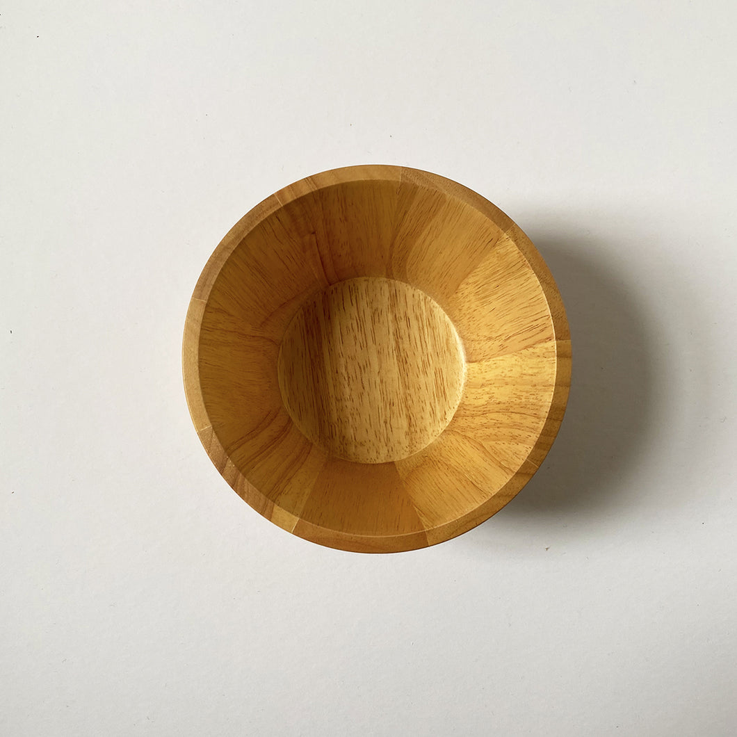 SUSTAINABLY SOURCED HAND CARVED WOODEN BOWLS