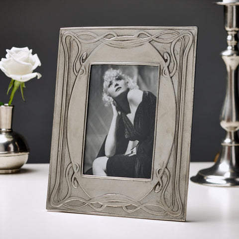 Luigi Rectangular Frame - 19 cm x 23.5 cm - Handcrafted in Italy - Pewter