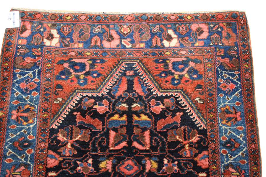 Antique Hamadan Handwoven Traditional Rug