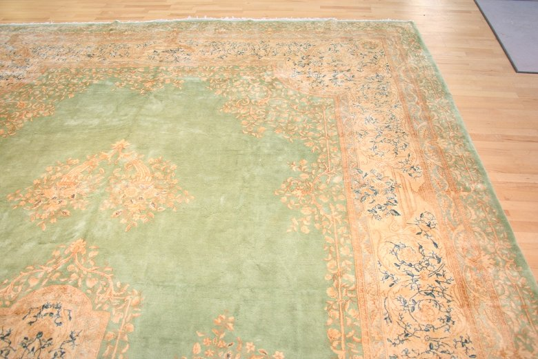 Antique Kerman Handwoven Traditional Rug