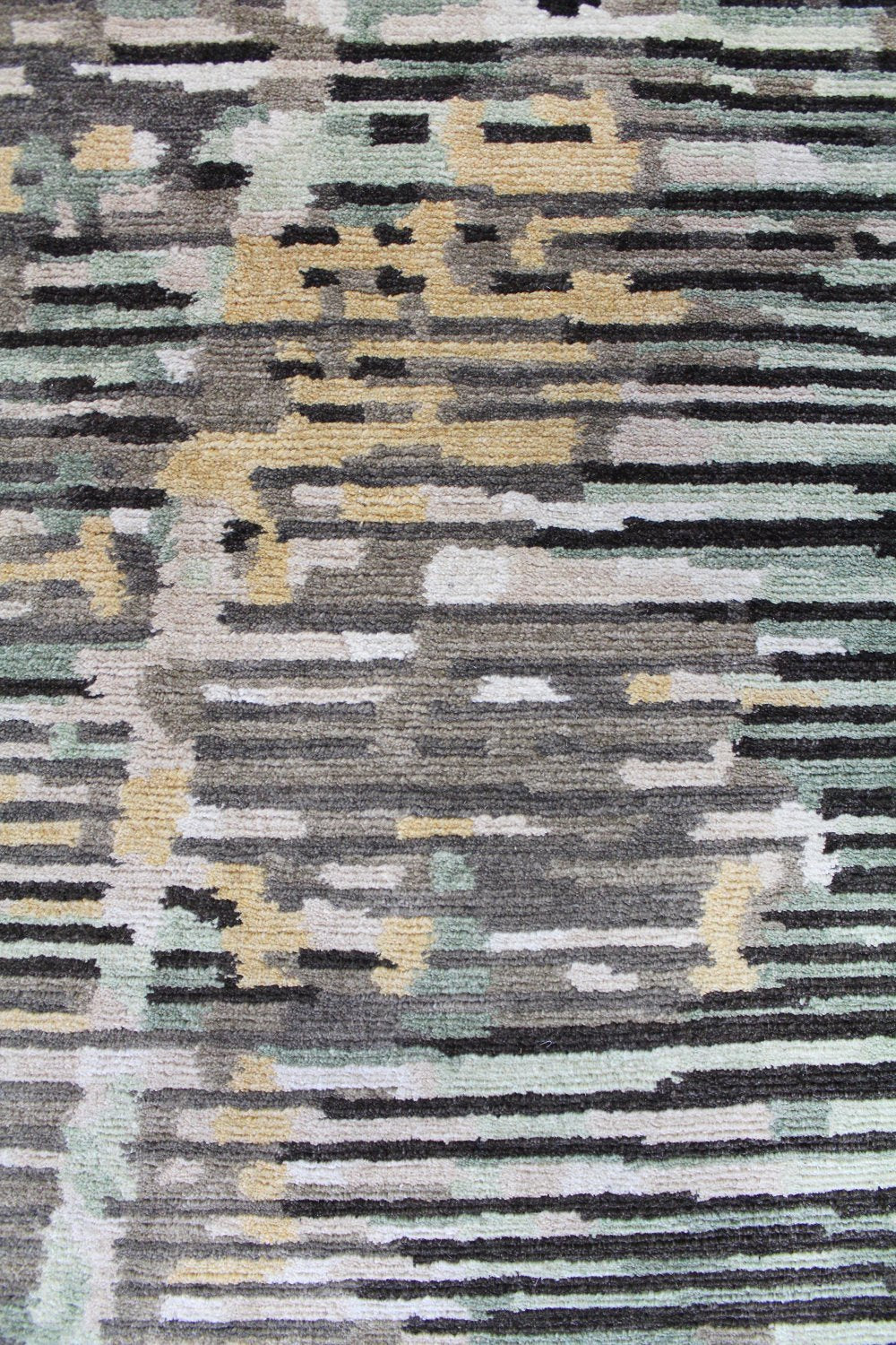 Hard Rock Handwoven Contemporary Rug