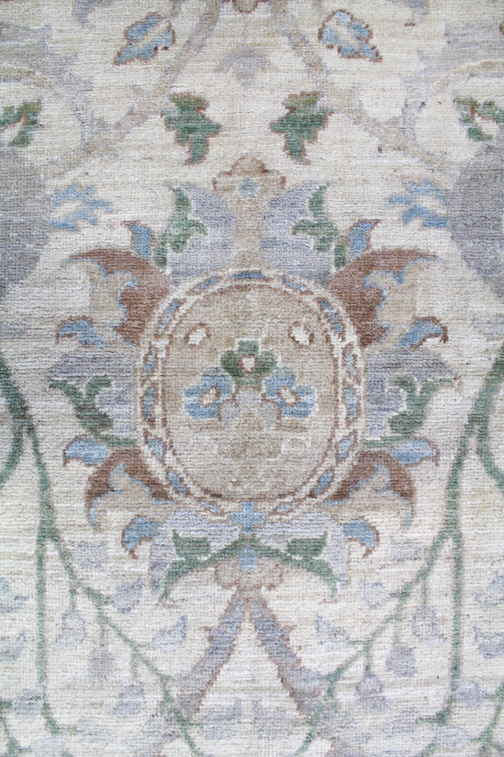 Isphan Handwoven Transitional Rug