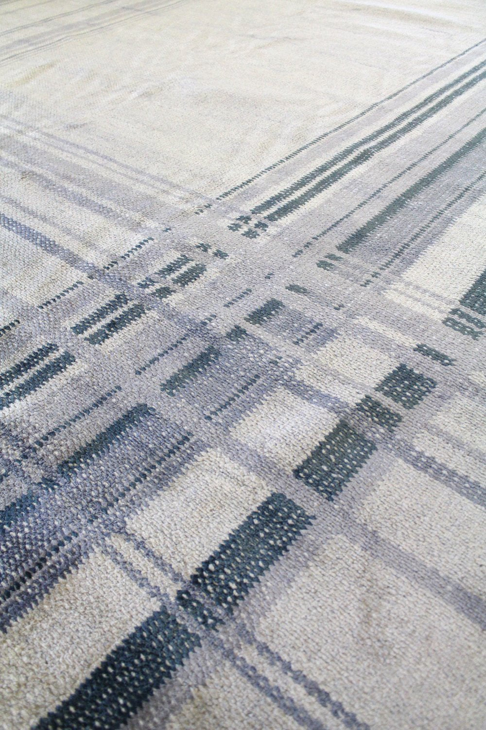 Plaid Handwoven Transitional Rug