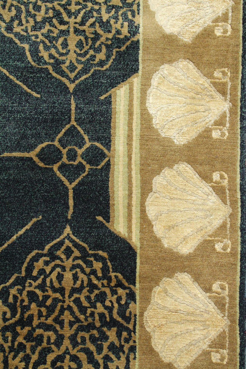 Sea Shell Handwoven Transitional Rug