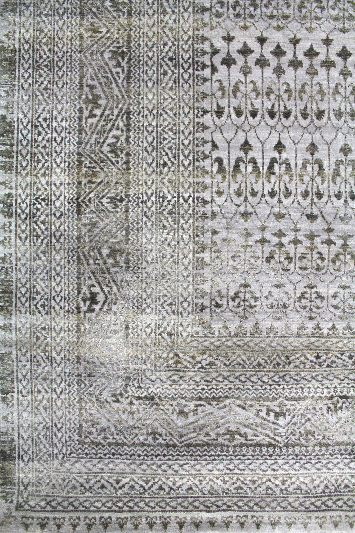Silk Mamluk Handwoven Transitional Rug