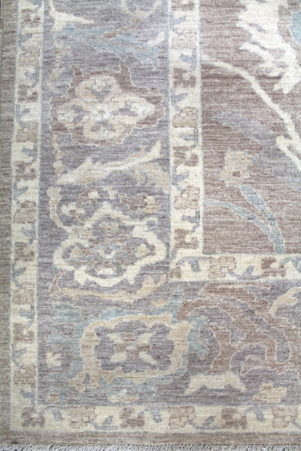Sultanabad Handwoven Transitional Rug