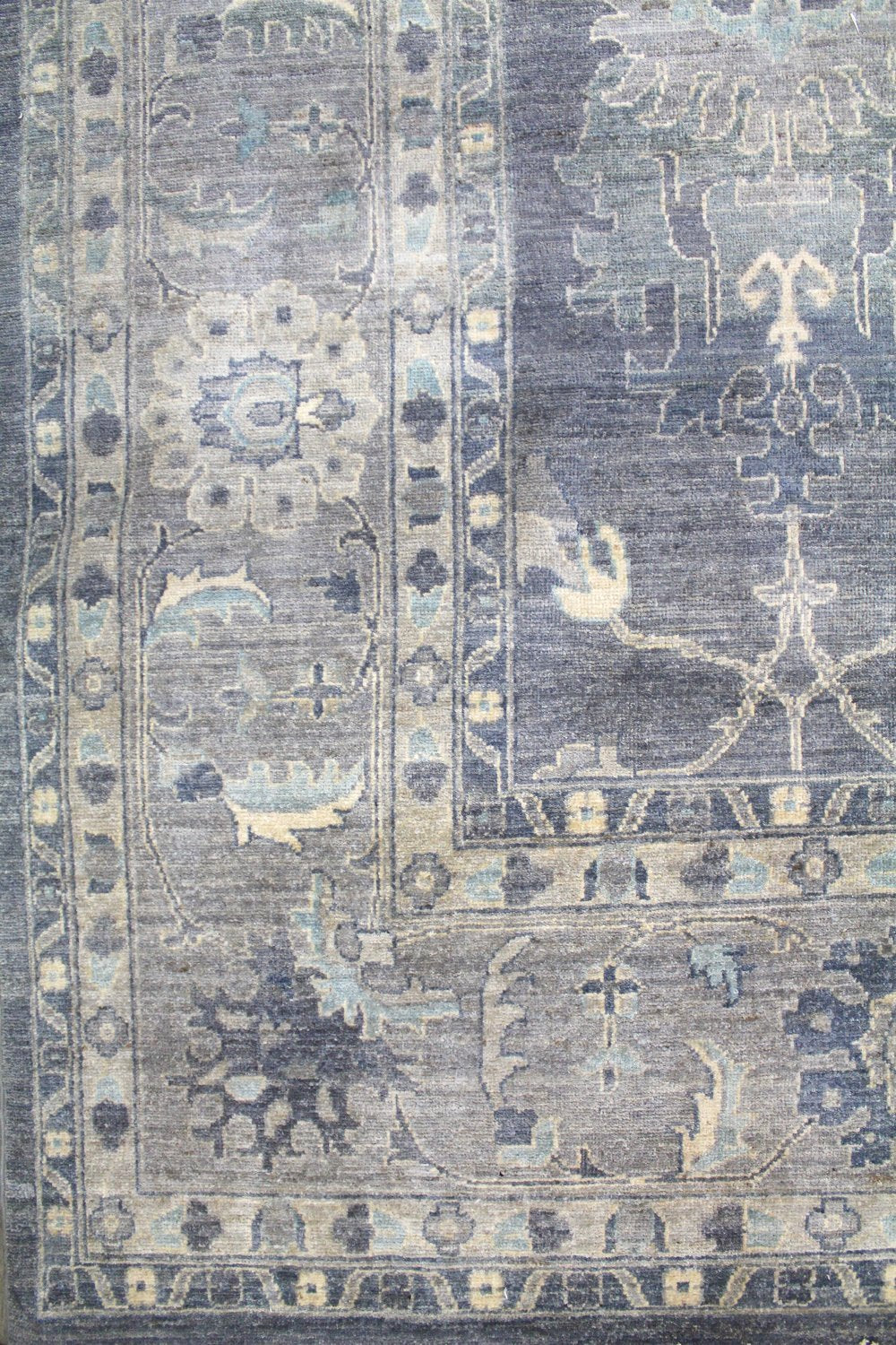 Tabriz Handwoven Transitional Rug