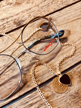 Laden Sie das Bild in den Galerie-Viewer, Sunny Cord Brillenkette Classy C Gold Glasses Chain