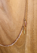 Laden Sie das Bild in den Galerie-Viewer, Sunny Cord Brillenkette Bead It Beige