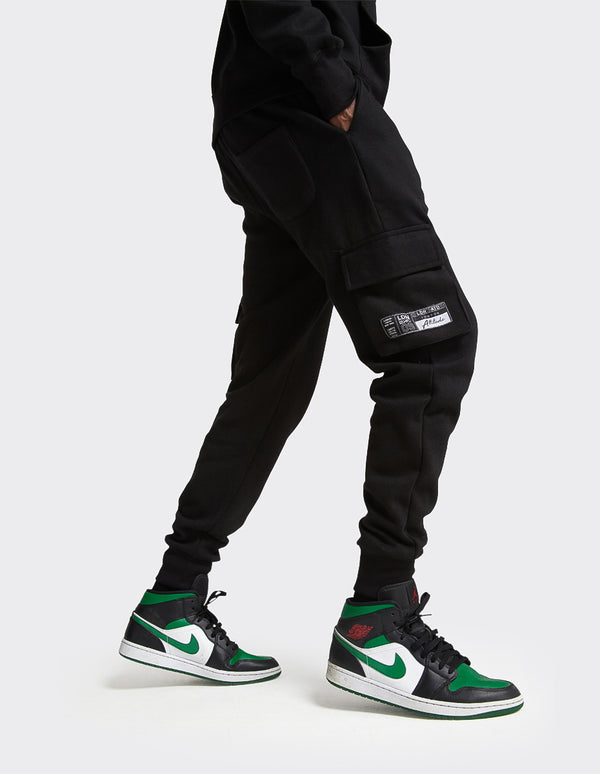London Attitude Utility Cargo Joggers In Black