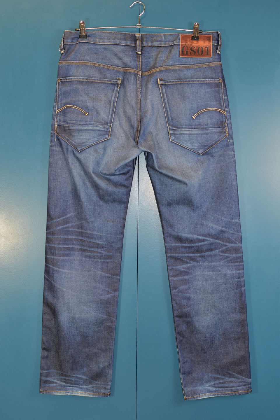 G-STAR RAW Men's Medium Blue Jeans, Size 38 x 34. Pre-loved.